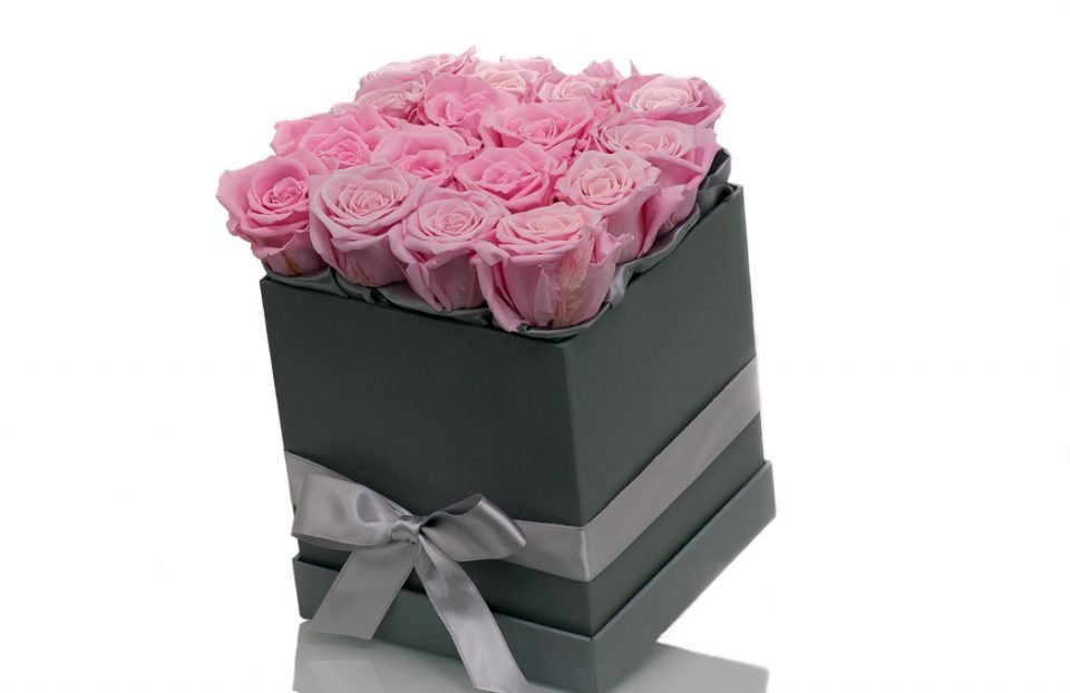 Pink Infinity-Roses -in-a-Square-Box