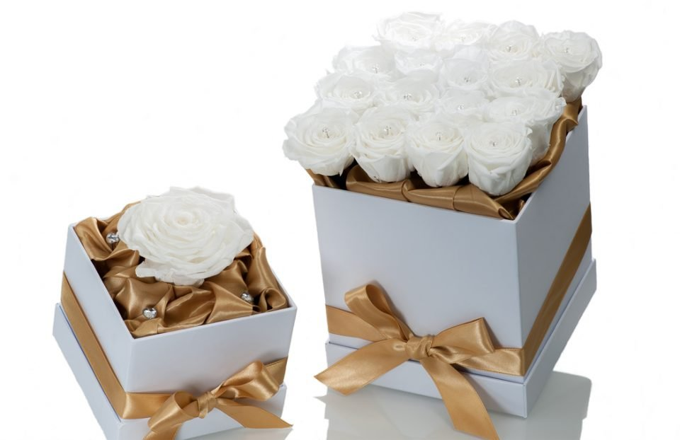 Forever-White-Rose-in-a-Square-Box
