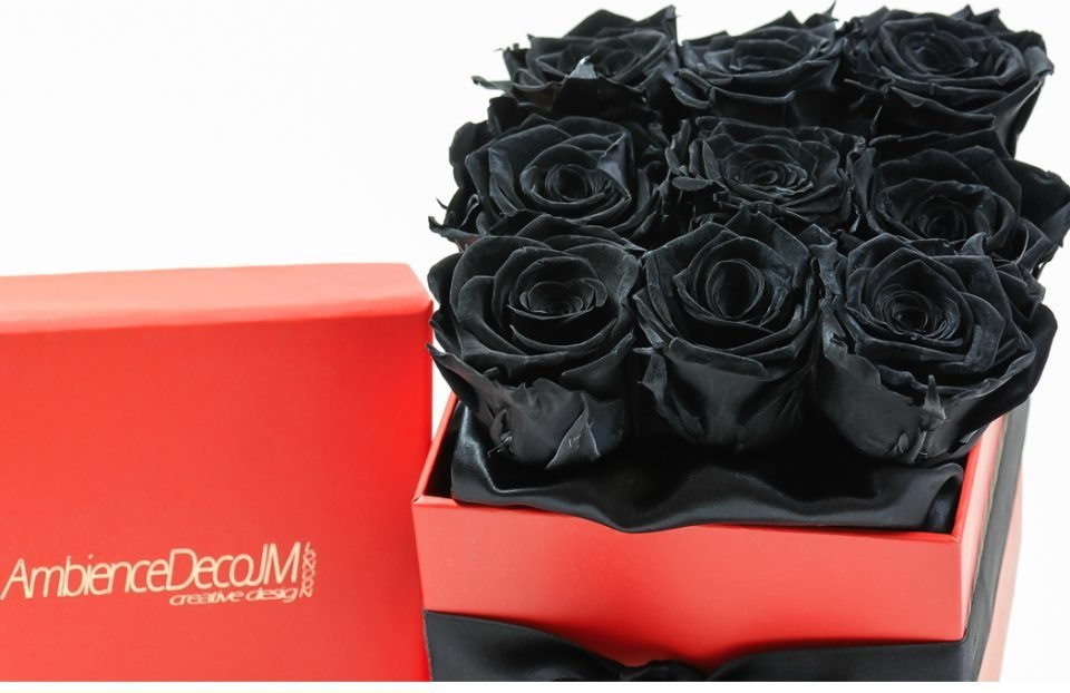 Black -nfinity-roses-in-a-box