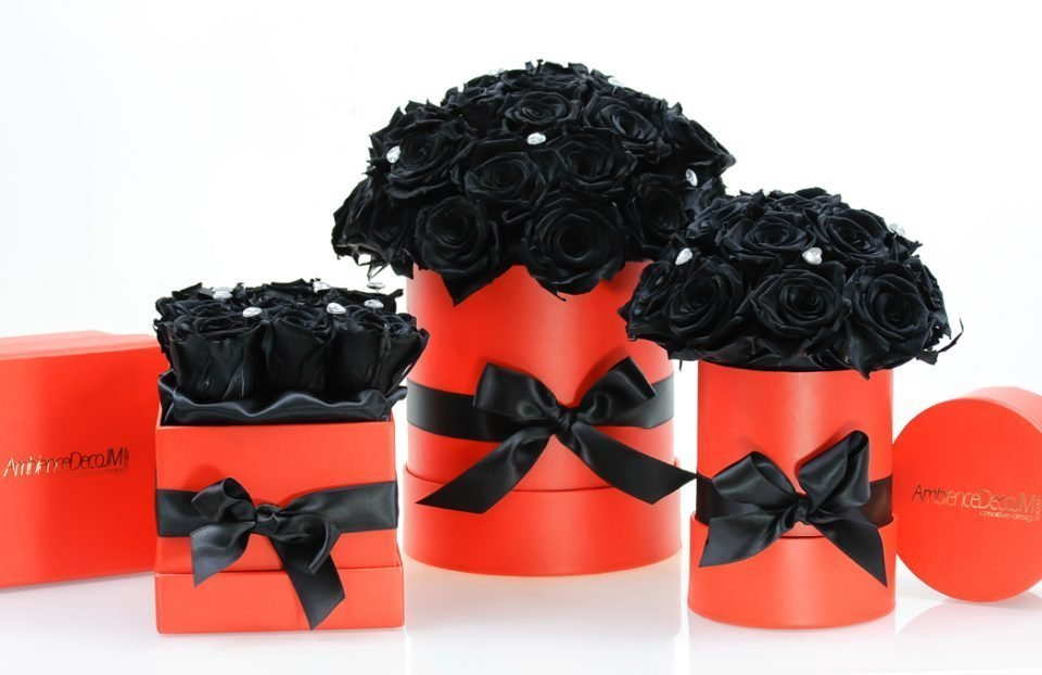 Black-infinity-roses-in-a-box