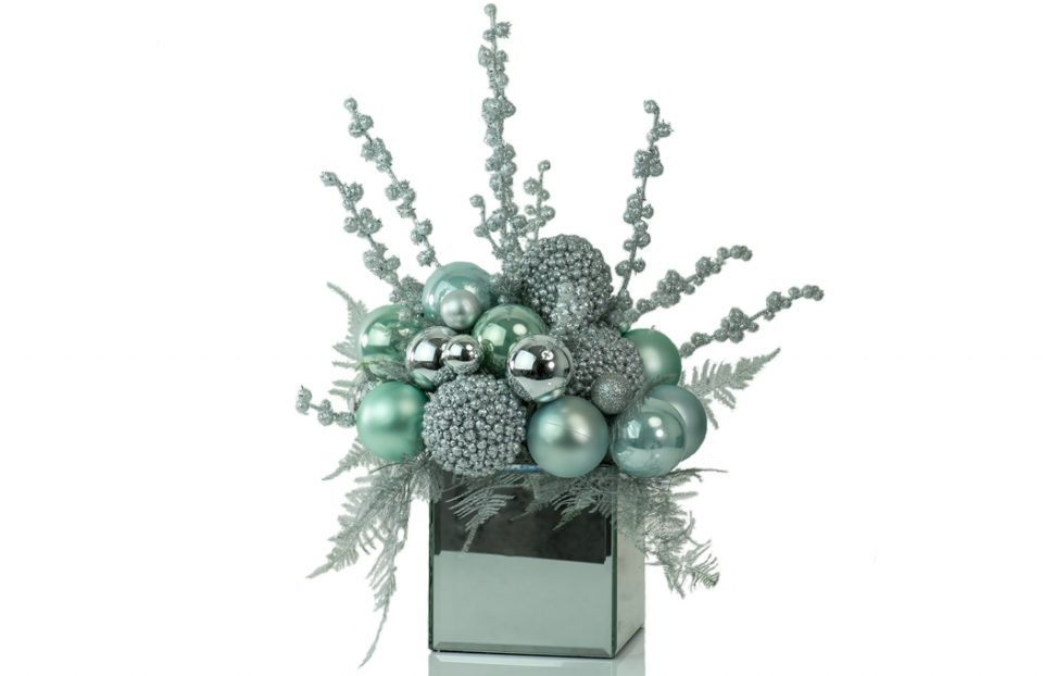 Blue-Christmas-Centerpiece