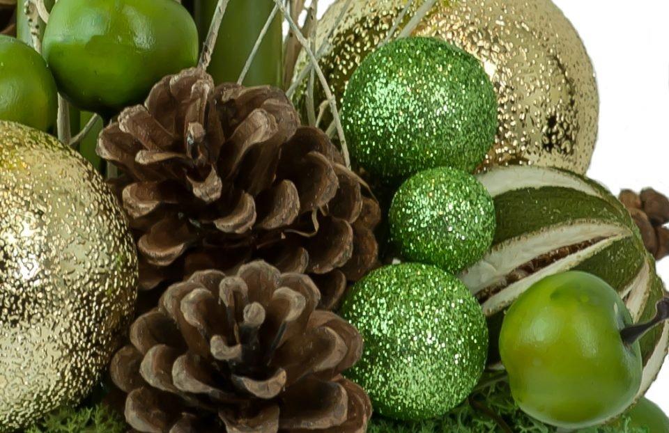 Christmas-amaryllis-centerpiece