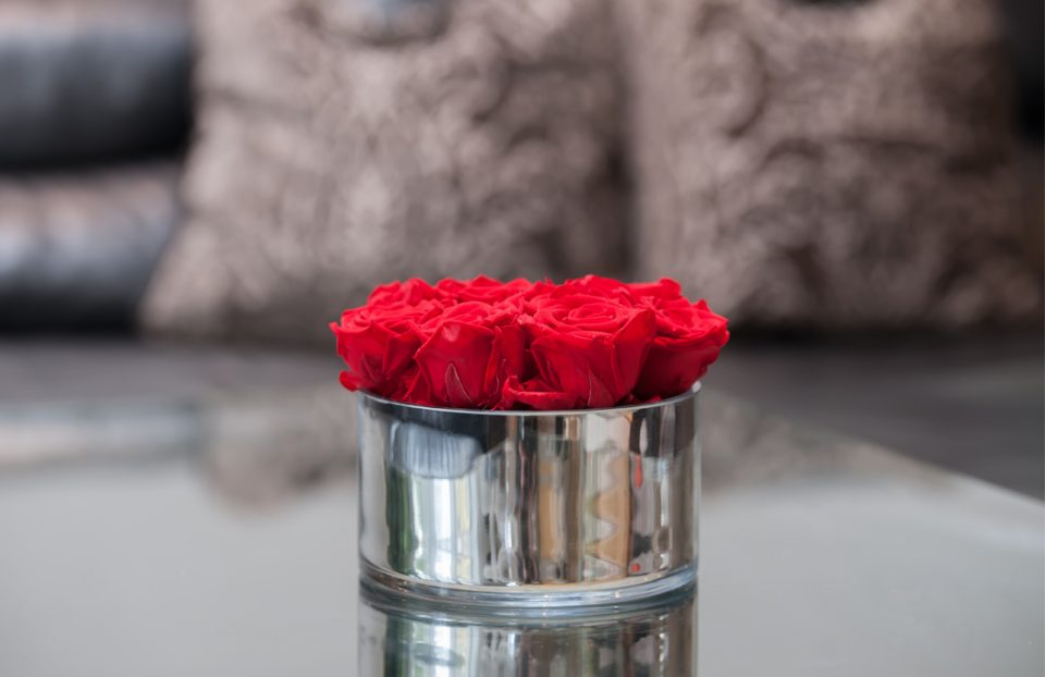 Infinity red rose arrangement