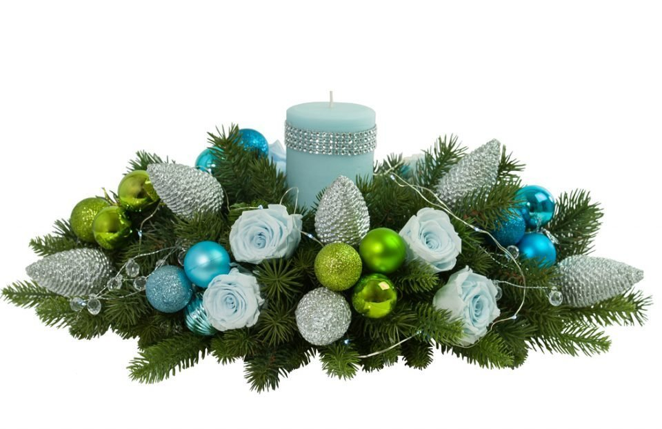 Blue-Christmas-Table-Centerpiece