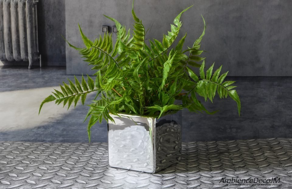 Potted artificial fern